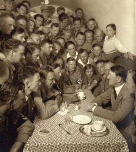 O que aconteceu com o espírito de Adolf Hitler?