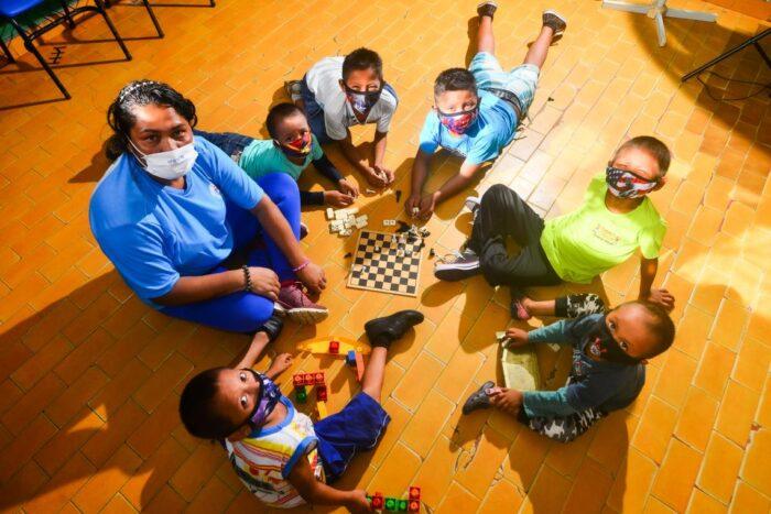 Profissionais indígenas trabalham em prol de crianças migrantes