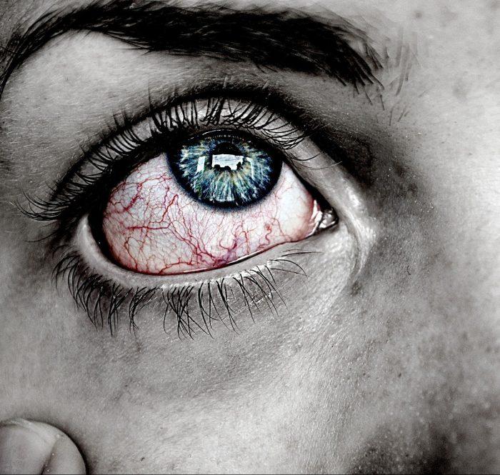 A experiência dolorosa da perda e do luto de todos os matizes grita na nossa face