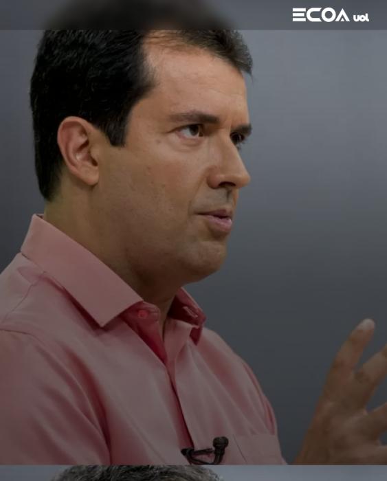 """""""O negacionismo ludibria a opinião pública"""", diz André Trigueiro para o ECOA"""